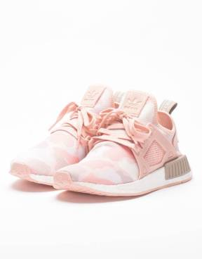 http://www.avenuestore.be/en/adidas-adidas-womens-nmd-xr1-black-friday.html