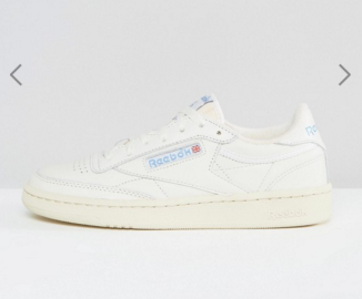 http://www.asos.fr/reebok/reebok-club-c-85-vintage-court-basket-blanc/prd/7178467?iid=7178467&clr=Crme&SearchQuery=&cid=6456&pgesize=204&pge=0&totalstyles=272&gridsize=3&gridrow=27&gridcolumn=1