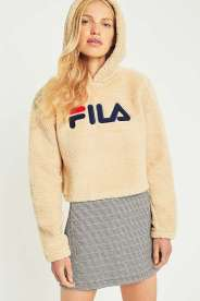 https://www.urbanoutfitters.com/fr-fr/shop/fila-cream-cropped-teddy-hoodie2?category=new-in-womens-clothing&color=012