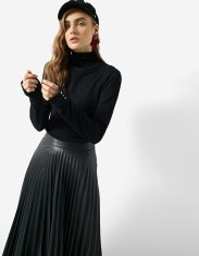 https://www.stradivarius.com/fr/femme/best-of-black-friday/black-friday/pull-col-roul%C3%A9-c1020124593p300311909.html?colorId=001&keyWordCatentry=Pull+col+roul%C3%A9