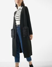 https://www.stradivarius.com/fr/femme/best-of-black-friday/black-friday/cardigan-long-d%C3%A9tail-fausse-fourrure-c1020124593p300447515.html?colorId=001&keyWordCatentry=Cardigan+long+d%C3%A9tail+fausse+fourrure