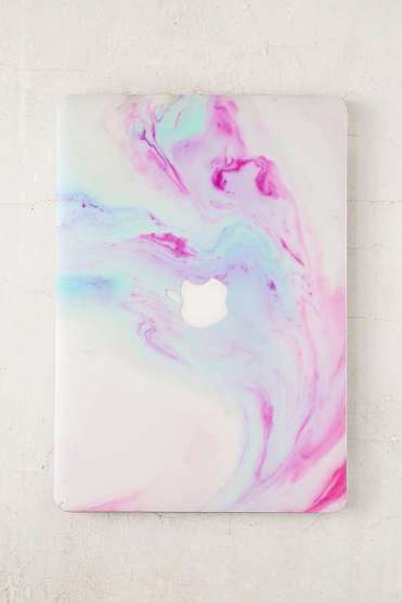 https://www.urbanoutfitters.com/fr-fr/shop/unicorn-magic-vinyl-macbook-pro-skin?category=homeware-sale&color=000