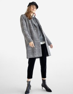 https://www.stradivarius.com/fr/femme/best-of-black-friday/black-friday/manteau-%C3%A0-carreaux-basic-c1020124593p300398025.html?colorId=205&keyWordCatentry=Manteau+%C3%A0+carreaux+basic