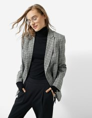https://www.stradivarius.com/fr/femme/best-of-black-friday/black-friday/veste-%C3%A0-double-rang%C3%A9e-de-boutons-c1020124593p300355023.html?colorId=210&keyWordCatentry=Veste+%C3%A0+double+rang%C3%A9e+de+boutons