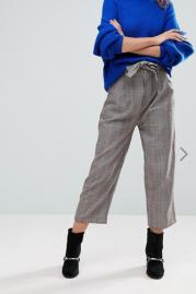 http://www.asos.fr/pullbear/pullbear-heritage-pantalon-a-carreaux-avec-ceinture-a-nouer/prd/8939119?clr=gris&SearchQuery=&cid=2623&pgesize=204&pge=0&totalstyles=337&gridsize=3&gridrow=35&gridcolumn=3