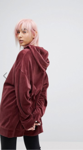 http://www.asos.fr/weekday/weekday-hoodie-oversize-en-velours/prd/8782531?clr=rouge&SearchQuery=&cid=2623&pgesize=133&pge=1&totalstyles=337&gridsize=3&gridrow=2&gridcolumn=2