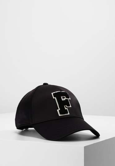 https://fr.zalando.be/fenty-puma-by-rihanna-monday-casquette-black-f0d51b00d-q11.html