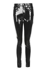 http://eu.topshop.com/en/tseu/product/sale-6923953/shop-all-black-friday-offers-7181251/petite-vinyl-jamie-jeans-6327689?bi=781&ps=20