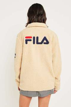 https://www.urbanoutfitters.com/fr-fr/shop/fila-cream-button-down-teddy-coat?category=SHOPBYBRAND&color=012