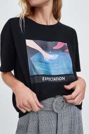 https://www.zara.com/be/en/disney%C2%A9-cinderella-princess-t-shirt-p05350319.html?v1=7397526&v2=1080528#selectedColor=800&origin=shopcart