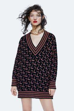https://www.zara.com/be/en/metallic-thread-sweater-with-zara-logo-p06771115.html?v1=7094622&v2=1074660#selectedColor=800&origin=shopcart