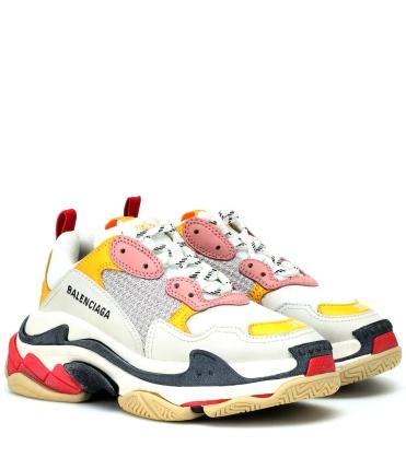 https://www.mytheresa.com/fr-fr/balenciaga-triple-s-sneakers-978320.html