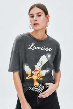 https://www.zara.com/be/fr/t-shirt-lumi%C3%A8re-%C2%A9disney-p00085331.html?v1=7731061&v2=1074548