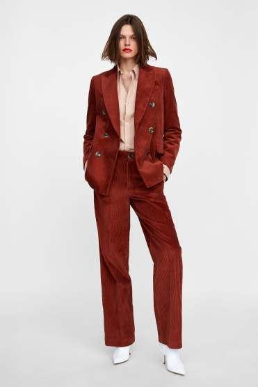 https://www.zara.com/be/en/corduroy-trousers-p08240607.html?v1=7327582&v2=1074624