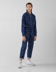 https://www.bershka.com/be/femme/black-friday/-30%25-black-friday/combinaison-en-jean-imprim%C3%A9e-avec-ceinture-c1010263535p101604163.html?colorId=400