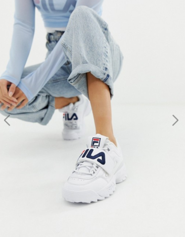 https://www.asos.fr/fila/fila-disruptor-2-baskets-de-qualite-superieure-avec-bride-velcro-et-logo-applique-blanc/prd/9945144?clr=blanc&SearchQuery=&cid=6456&gridcolumn=1&gridrow=8&gridsize=4&pge=1&pgesize=72&totalstyles=337