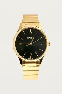 https://www.urbanoutfitters.com/fr-fr/shop/casio-gold-premium-classic-watch?category=gifts-style&color=070