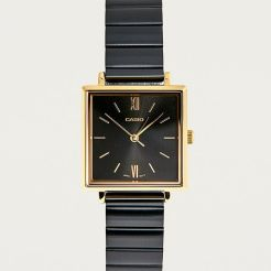 https://www.urbanoutfitters.com/fr-fr/shop/casio-square-analogue-watch?category=gifts-style&color=001