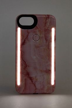 https://www.urbanoutfitters.com/fr-fr/shop/lumee-duo-pink-marble-iphone-66s78-case?category=gifts-tech&color=000
