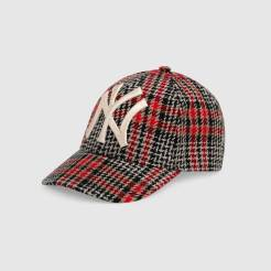 https://www.gucci.com/be/fr/pr/men/mens-accessories/mens-hats-gloves/mens-baseball-caps/baseball-hat-with-ny-yankees-patch-p-5398364HE966800?position=31&listName=ProductGrid&categoryPath=Gifts/Gifts-for-Men