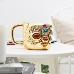 https://www.asos.fr/paladone/marvel-avengers-mug-gantelet/prd/10415308?clr=multi&SearchQuery=&cid=16095&gridcolumn=1&gridrow=1&gridsize=4&pge=1&pgesize=72&totalstyles=795