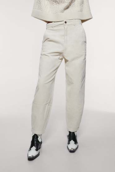 https://www.zara.com/be/fr/pantalon-slouchy-en-velours-c%C3%B4tel%C3%A9-p08721913.html